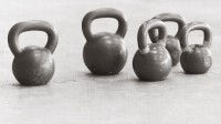 kettlebells-background